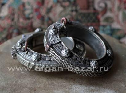 Пара старых афганских браслетов древней формы - Pair of Vintage Afghan Tribal
