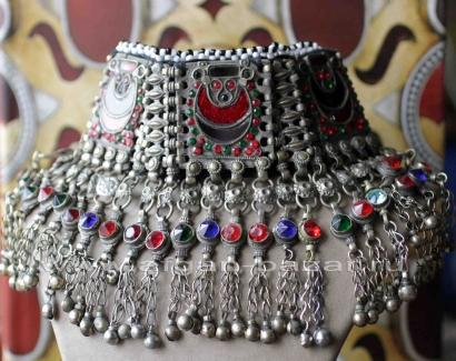 Афганская нашейная повязка-чокер. Афганистан или Пакистан (зона племен, Вазирист