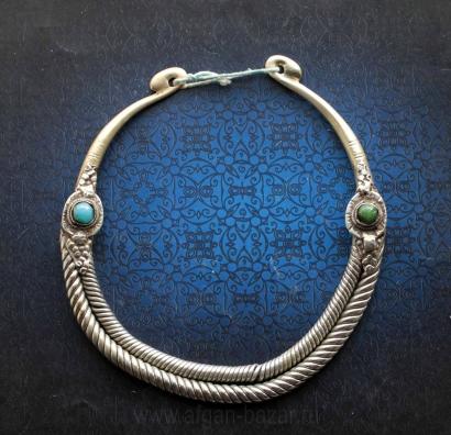 """Старинная двурядная гривна - """"Огай"""" или """"Гер"""" - традиционное украшение народов,"""
