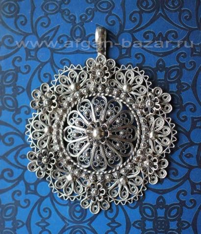 Филигранная подвеска в стиле традиционных украшений Османской Империи