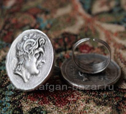 Кольцо из ювелирного сплава в виде римской монеты