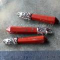 Подвеска в виде кристалла из красной яшмы (брекчии)