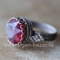 Бедуинский перстень с красным граненым стеклом