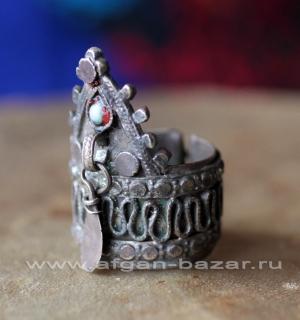 """Афганское """"коронное"""" кольцо. Афганистан или северо-западный Пакистан, 20-й век,"""