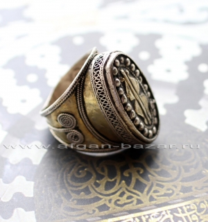 Туркменский перстень,  Афганистан. Серебро, филигрань, золочение, чеканка