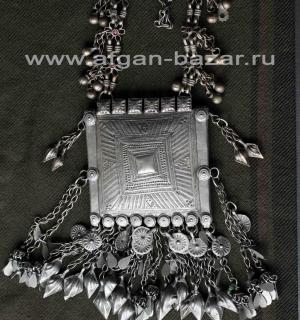 Афганское нагрудное украшение - амулет. Западный Афганистан, Джалалабад. Вторая