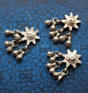 Лот из трех серебряных бусин - нашивок. Северный Пакистан или Кашмир, народность