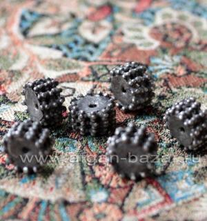 Старая бусина ручной работы. Йемен или Аравия, бедуины племени Рашайда (Rashaida