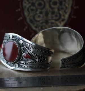 Афганский браслет с тонированным халцедоном