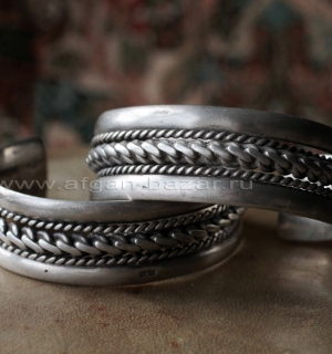 Пара бедуинских браслетов. Украшения бедуинов Синая. Производство - Каир, вторая