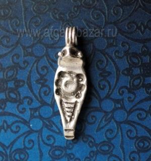 Подвеска в форме кобры Уаджет (Урей, эмблема царской власти в Древнем Египте). Е