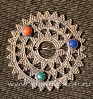 Декоративная застежка-фибула, традиционное украшение народности Калаша