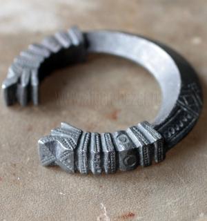 Массивный племенной браслет. Пакистан (Сват-Кохистан), середина - вторая половин