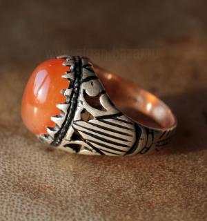 Мужской перстень с сердоликом