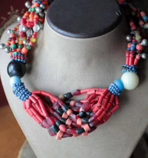 Колье из бисера с имитацией коралла (Kuchi Tribal Beadwork). Пакистан или Кашмир