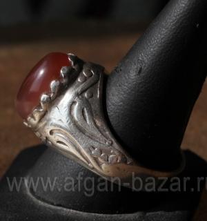 Мужской перстень в восточном стиле с сердоликом