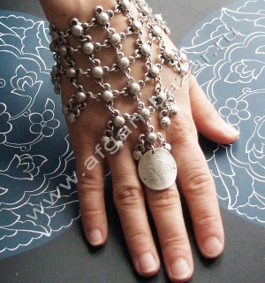 Браслет с кольцом в стиле Трайбл