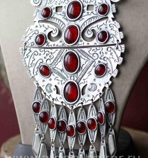 Колье в стиле туркменского нагрудного украшения