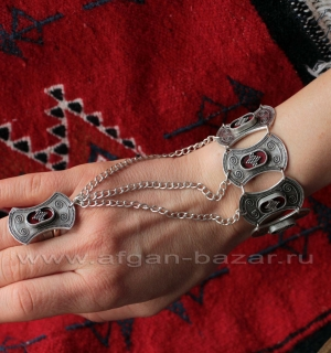 Браслет с кольцом в казахском стиле