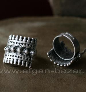 Кольцо из ювелирного сплава в йеменском стиле